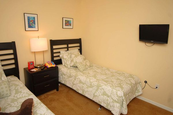 Lake Berkley Bedroom 2 (3)